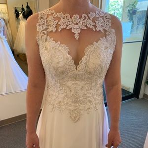 Brand new Morilee wedding gown